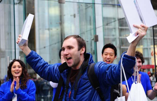 Продажи нового iPad могут превысить 1 млн штук в первый день.